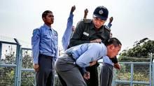 Chốn Ngục Tù - Xã hội đen HongKong
